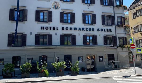 Referenz Schwarzer Adler